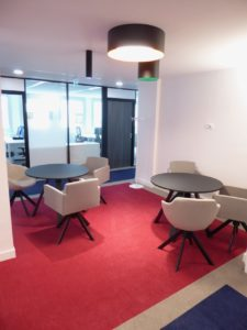 Louer-Bureau-Centre-Affaire-Paris-8-bureau-coworking-privatif9